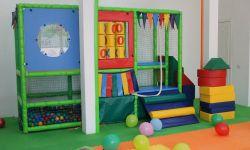 Детский центр в плотнонаселенном районе